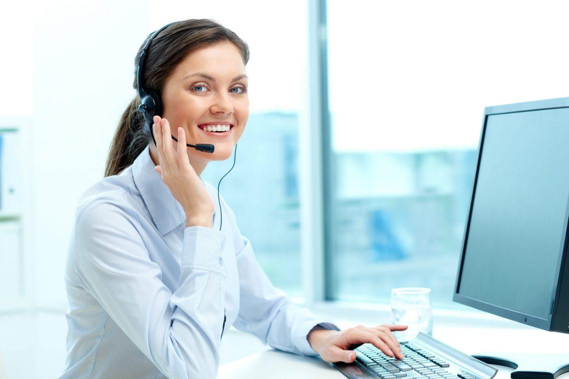 businesswoman-in-call-center-office-min